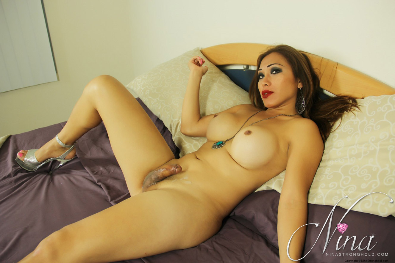 Hot blonde uses a dildo and vibrator on web cam to cum 10